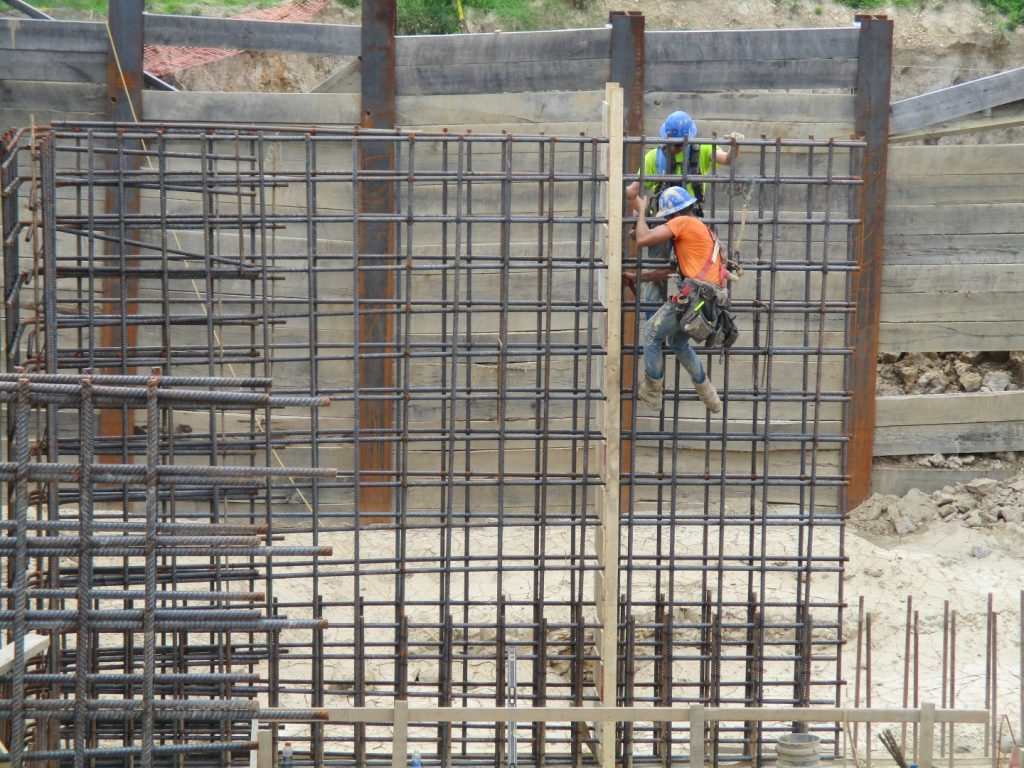 4056_2016-07-18_ptf-installation-of-steel-reinforcing-and-bulkhead-southwest-corner-large